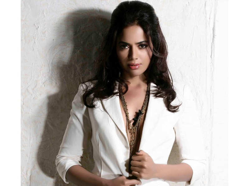 Sameera Reddy on accepting her natural body