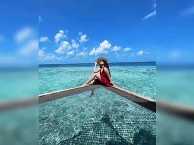 Photo: Sonakshi bids adieu to Maldives