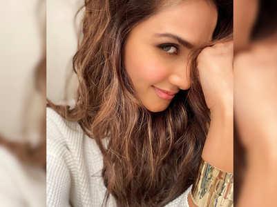 Vaani shares a charming morning selfie