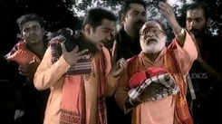 Ayyappa Swamy Bhakti Song: Watch Popular Malayalam Devotional Video Song 'Onnam Trippadi' Sung By Veeramani Raju. Popular Malayalam Devotional Songs | Malayalam Bhakti Songs, Devotional Songs, Bhajans, and Pooja Aarti Songs