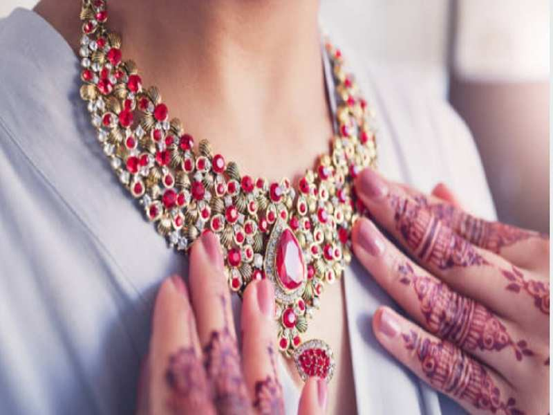 Wedding jewellery: 5 tips to keep in mind before selecting the perfect wedding  jewellery - Times of India