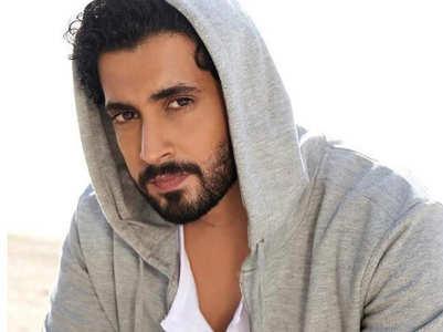 Will Sunny play Laxman in 'AdiPurush'?