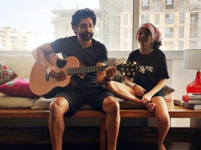 Farhan enjoys jam session with Akira