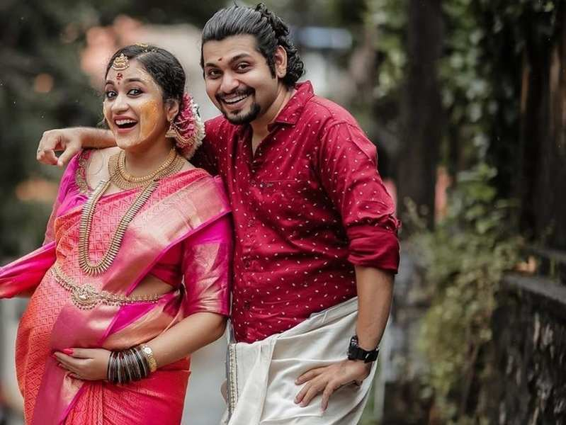 Mommy-to-be Parvathy Krishna shares a glimpse of her baby shower; watch video