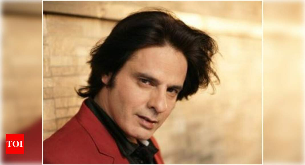 'Aashiqui' actor Rahul Roy hospitalized due to brain stroke while shooting in Kargil; read details - Times of India
