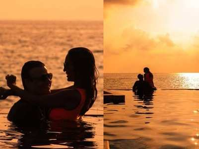 Vivek's pictures with his wife from Maldives