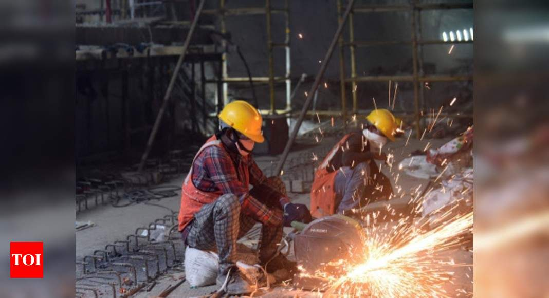 Image of article 'Manufacturing PMI: India's manufacturing PMI slips to 3    -    month low in November'