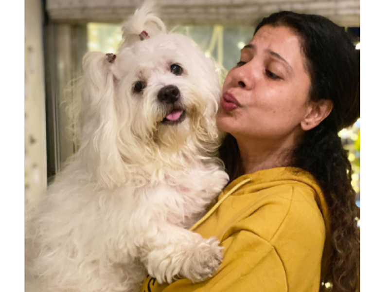 Sambhavna Seth shares an adorable photo with her pet Cherry