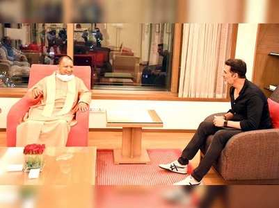 Photos: Akshay Kumar meets UP CM in Mumbai
