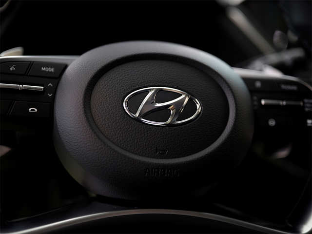 Hyundai Motor and its sister company Kia Motors together aim to sell 1 million EVs in 2025 to become the world's third-largest seller of EVs.