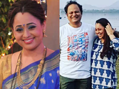 Sonalika pens down a note for hubby on anniv