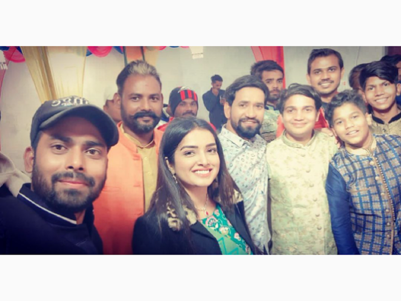 Nirahua and Aamrapali Dubey attend a family function together