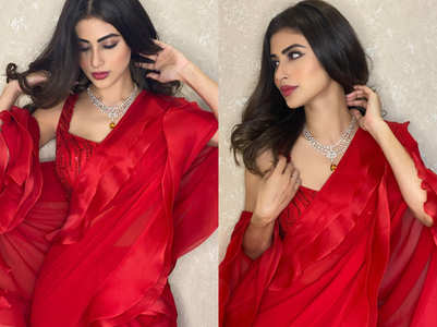 This is what makes Mouni Roy's red hot sari so SPECIAL!