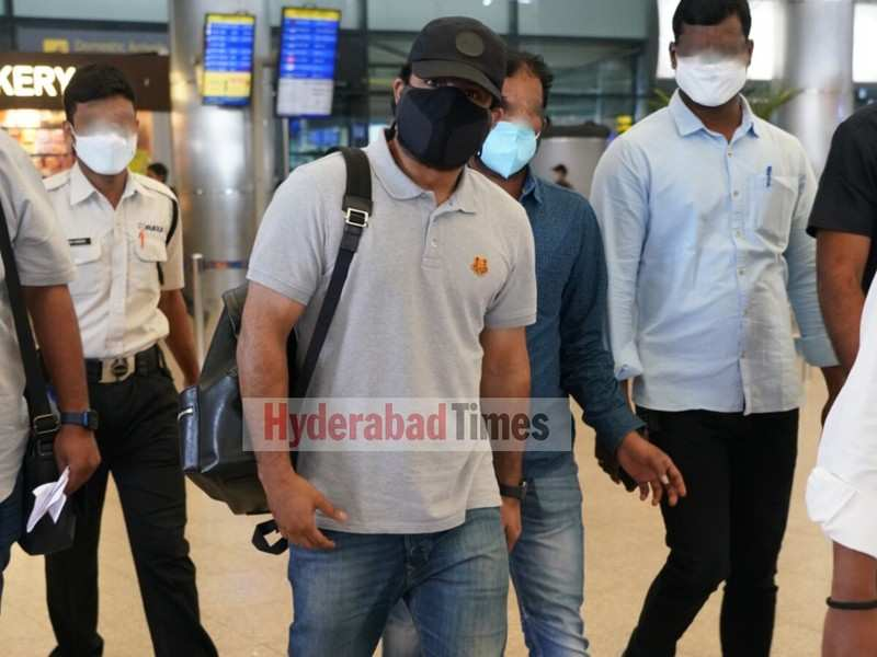 Spotted: Jr NTR returns back to Hyderabad after shooting for RRR in Mahabaleshwar