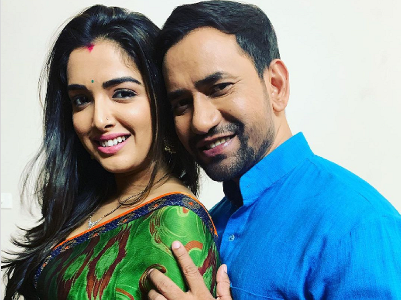 Nirahua and bestie Aamrapali Dubey pose for a perfect photo!