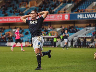 Millwall: FA condemns fans for booing anti-racism gesture
