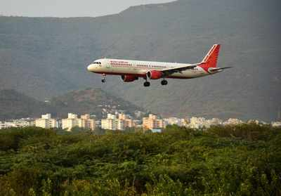 Air India Employees Bid for 51% Stake in Struggling Flag Carrier