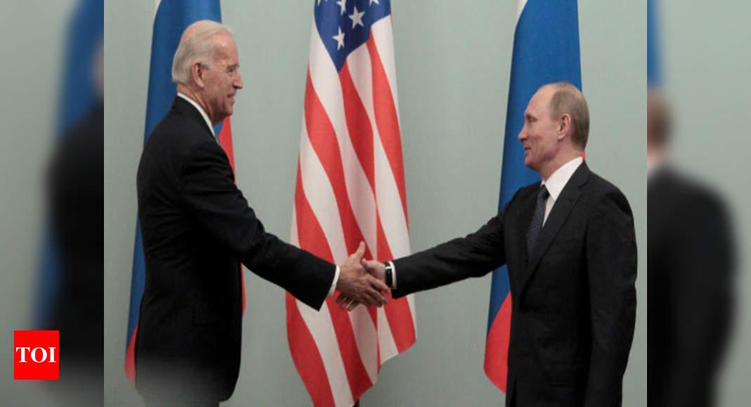 Putin congratulates Biden, says ready for 'collaboration' - Times of India