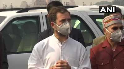 Priyanka Gandhi Vadra detained; Rahul Gandhi says 'no democracy' in India anymore