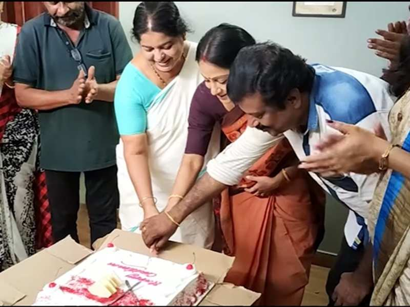 Team Santhwanam celebrates Christmas with a cake cutting; watch video