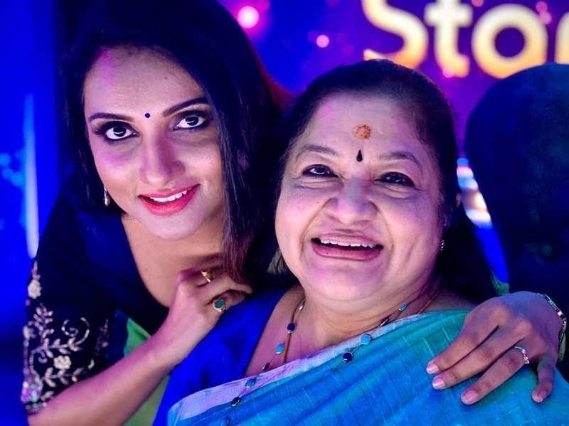 Singer Manjari feels blessed to share the stage with K S Chithra; calls the latter her 'guiding star'
