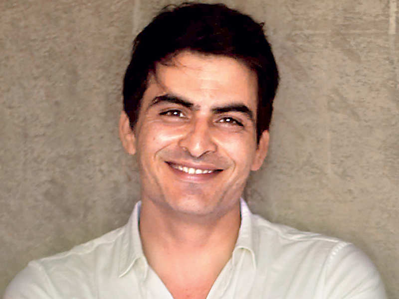 Manav Kaul presents debut novel ''Antima'' to Ruskin Bond - Times of India