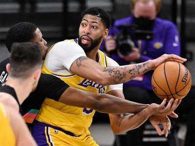 Becky Hammon makes National Basketball Association history: Lakers vs. Spurs takeaways