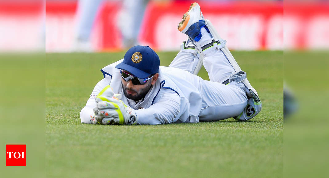 India vs Australia: Rishabh Pant under scrutiny again after wicketkeeping lapses - Times of India