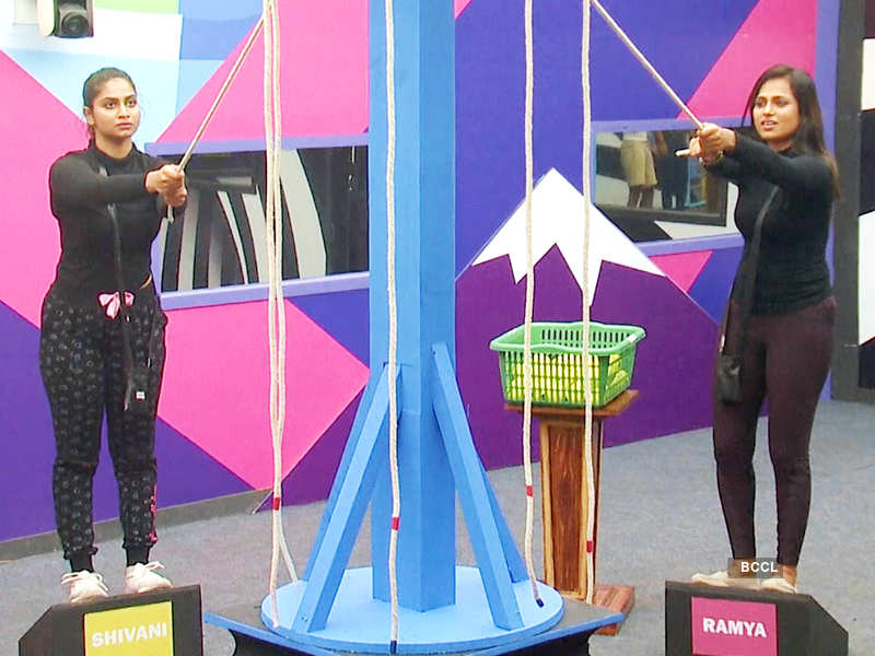 Bigg Boss Tamil 4, Day 96, January 8, highlights: Shivani Narayanan and Ramya Pandian compete for the top position in Task 9