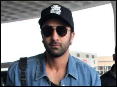 Video: Fans spot Ranbir Kapoor in New Delhi