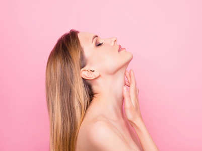 This is how to tighten and firm skin around your neck