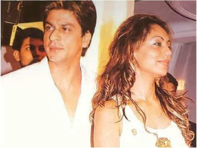Gauri shares a throwback pic with hubby SRK
