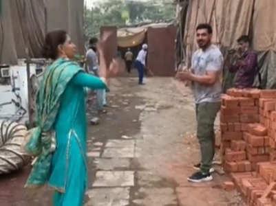 Choti Sardarni's cast plays cricket on set