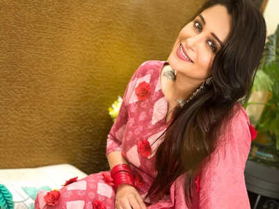 Dipika gives her old salwar suit a new look