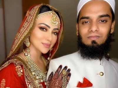 Sana on managing work post marriage, watch