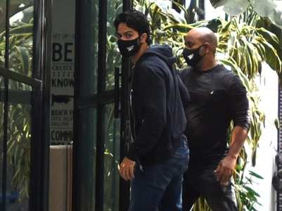 Photos: Varun Dhawan steps out for work