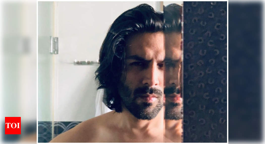 Kartik Aaryan's breathtaking mirror selfie will have you crushing hard over time – Times of India