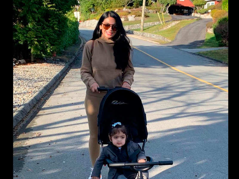 Neeru Bajwa doles out mommy goals with her latest video