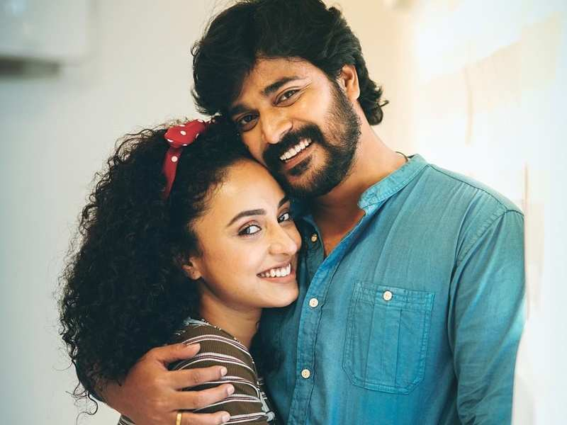 Pearle Maaney reminisces the romantic moments she spent with hubby Srinish in the house of Bigg Boss Malayalam; watch