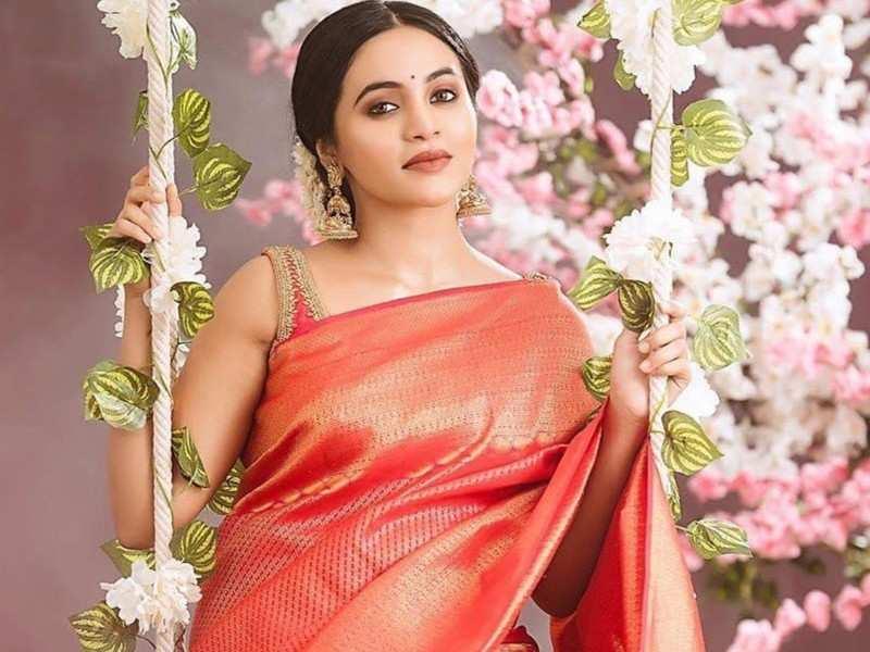 Director Vetri Maaran ropes in actress Bhavani Sre opposite Soori for his next