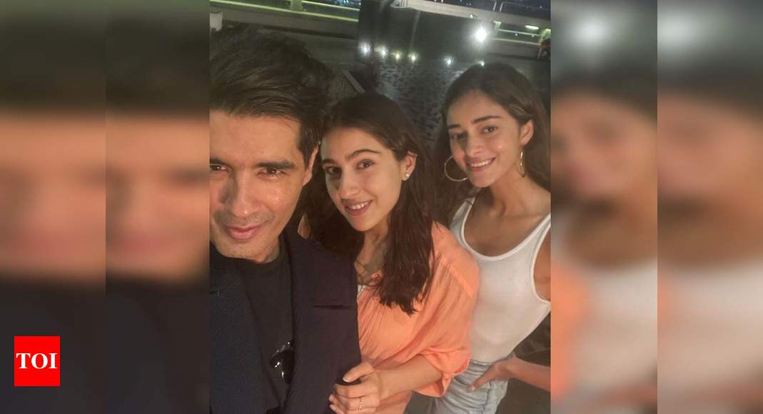 Sara and Ananya pose for selfies with Manish