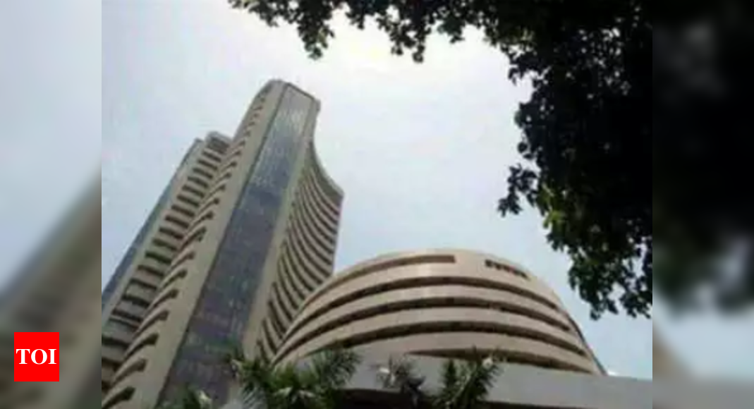 Sensex swings nearly 900 points on global cues
