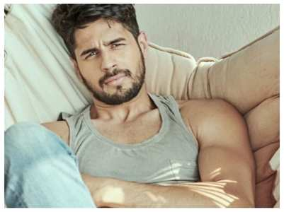 Celebs shower Sidharth with birthday posts