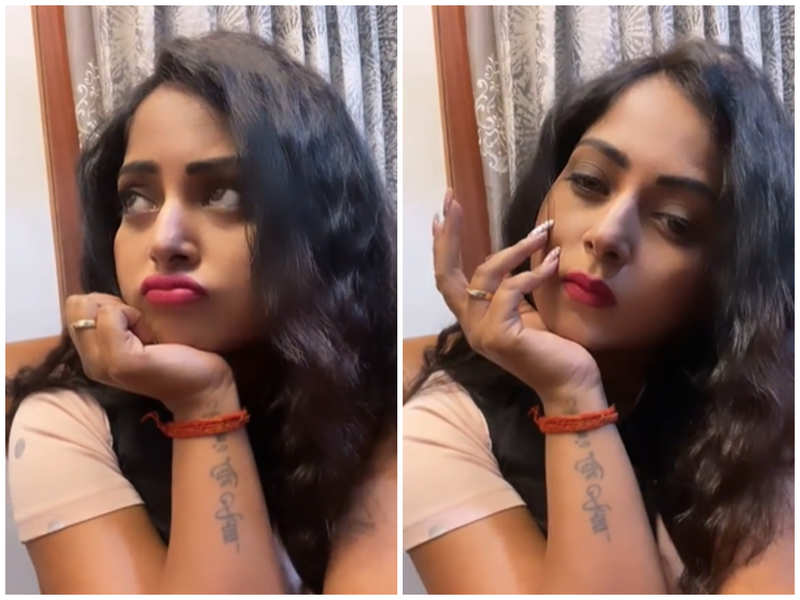 Watch: Anjana Singh's cute expressions on Dev Anand and Hema Malini's evergreen song