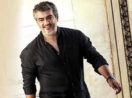 Thala Ajith visits Varanasi, enjoys local chaat