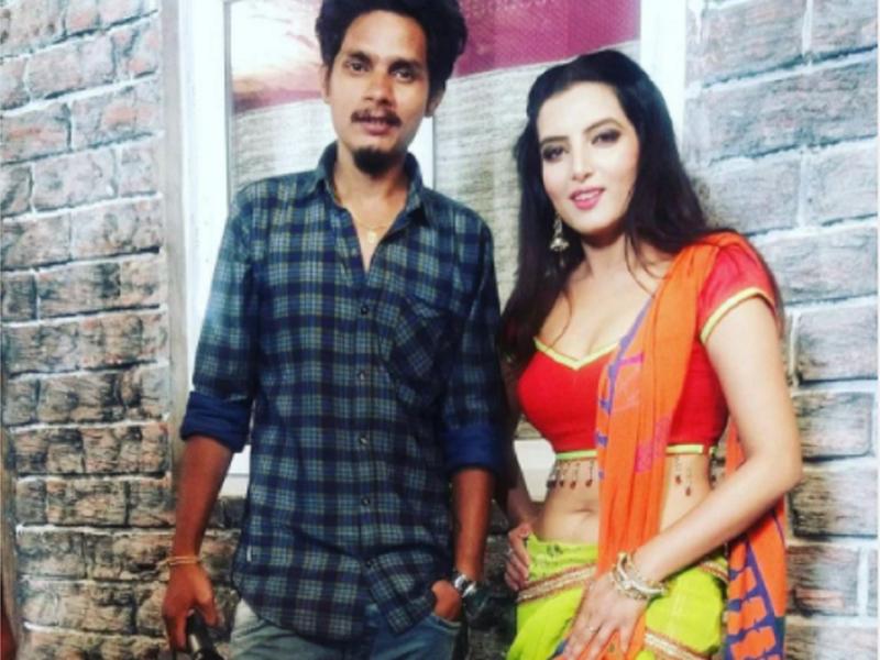 'Jiya Bekaraar Baa': Sonalika Prasad shares a throwback photo with the director Sai Kiran from the set