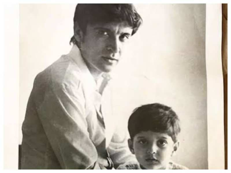 Farhan Akhtar shares a precious throwback picture with 'Pa' Javed Akhtar on his birthday