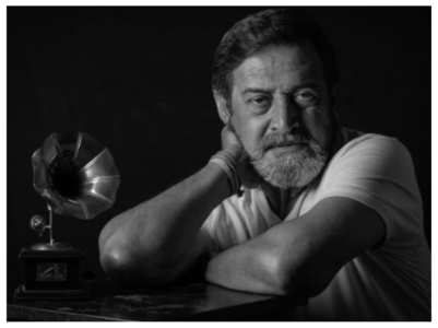 Mahesh Manjrekar booked for slapping man