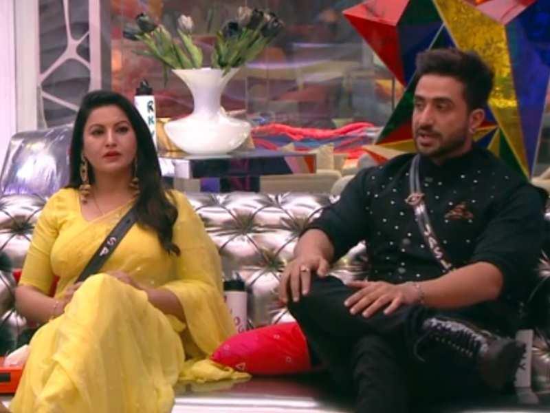 Bigg Boss 14: Sonali Phogat calls her feelings for Aly Goni one-sided; gives 'aashirwad' to Jasmin Bhasin and him by saying 'aapki jodi bani rahe'