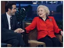 Ryan Reynolds wishes Betty White on her 99th birthday with a hilarious throwback clip from 'The Proposal' sets